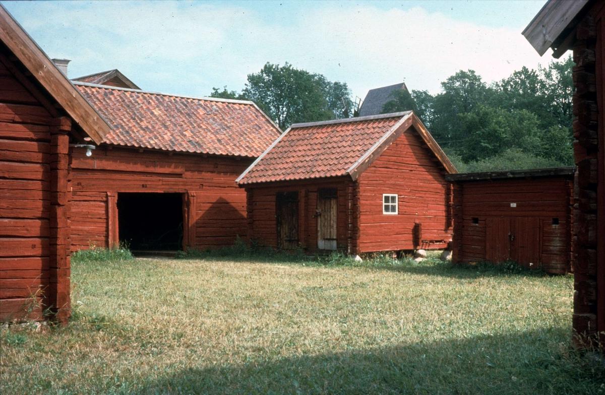 Bebyggelse på fägård, friluftsmuseet Disagården, Gamla Upsala augusti 1976