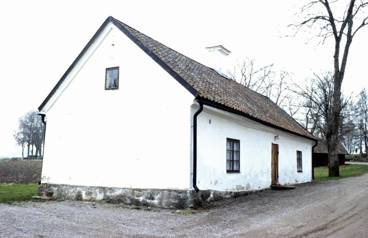 Fattigstugan vid Funbo kyrka, Funbo socken, Uppland 1989