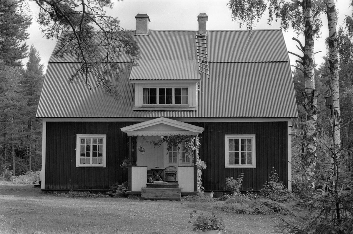 Bostadshus, Skärtomt 1:1, Skärtomt, Lena socken, Uppland 1978
