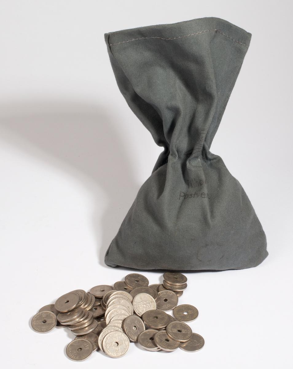 Avlang pose i stoff som inneholder mellom 400 og 500 stk 50 øringer.