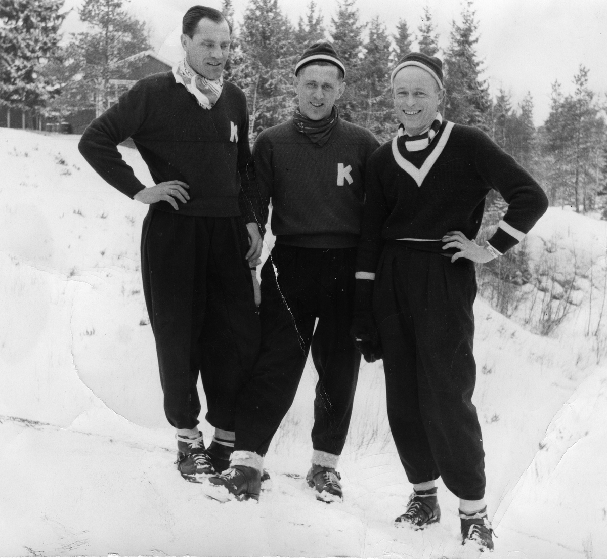 KIF-hoppere Arne Ulland, Petter Hugsted og Hans Jacob Haanes. The ski jumpers Arne Ulland, Petter Hugsted and Hans Jacob Haanes.