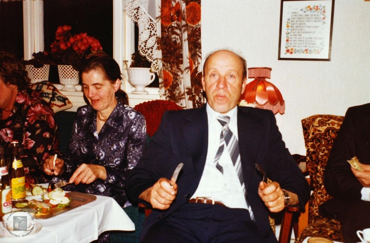 Selskap med Simon Aas. Hårtveit Grindheim.