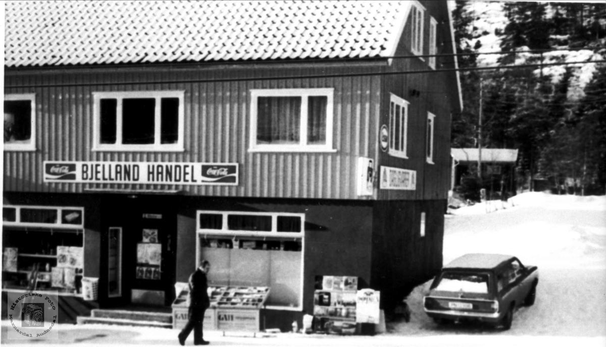 Daglegliv i Bjelland sentrum på 1960-70 tallet.