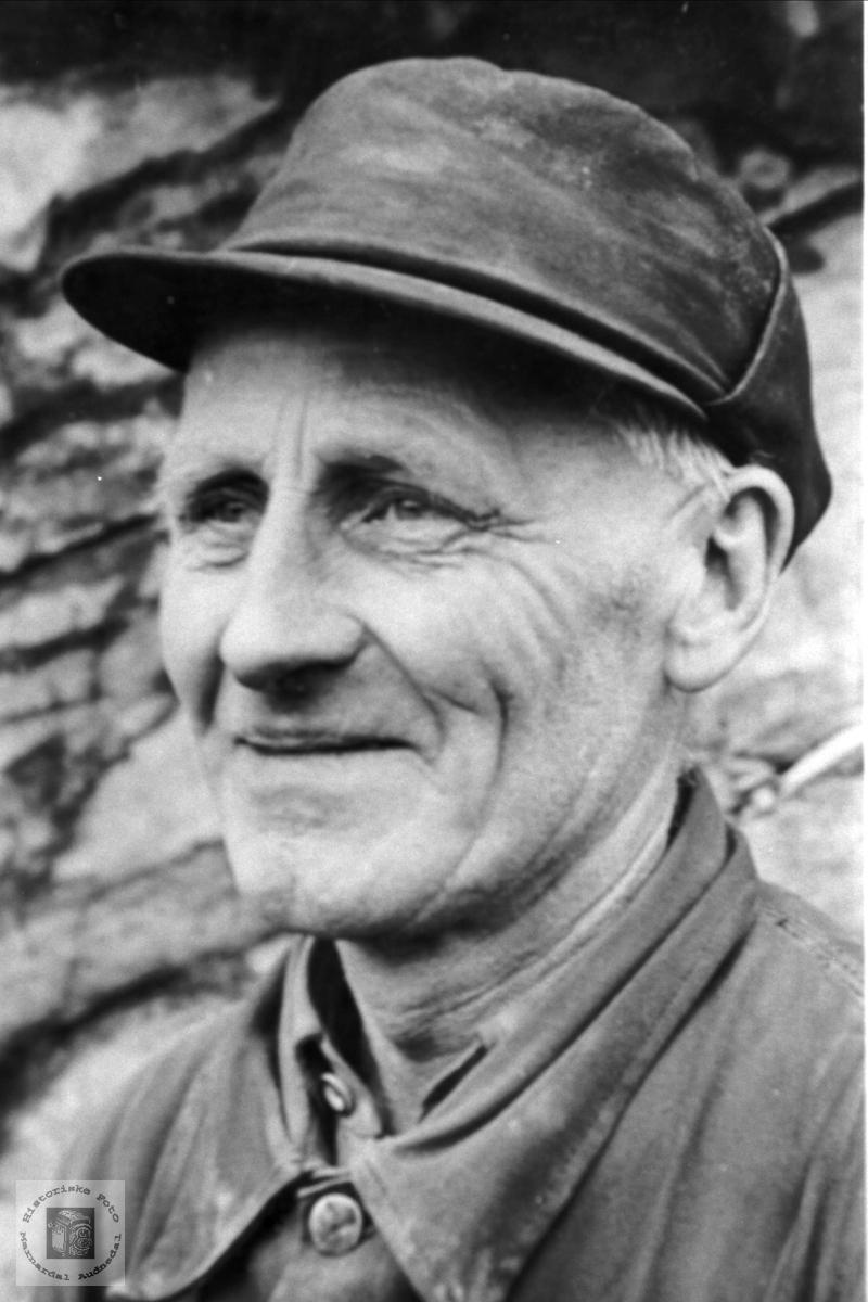 Portrett av Alf Skuland, Laudal.