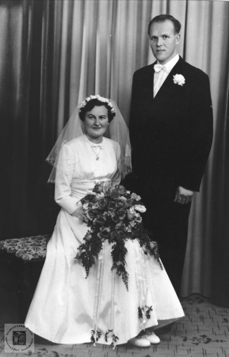 Brudeparet Helen og John Glomså, Øyslebø.