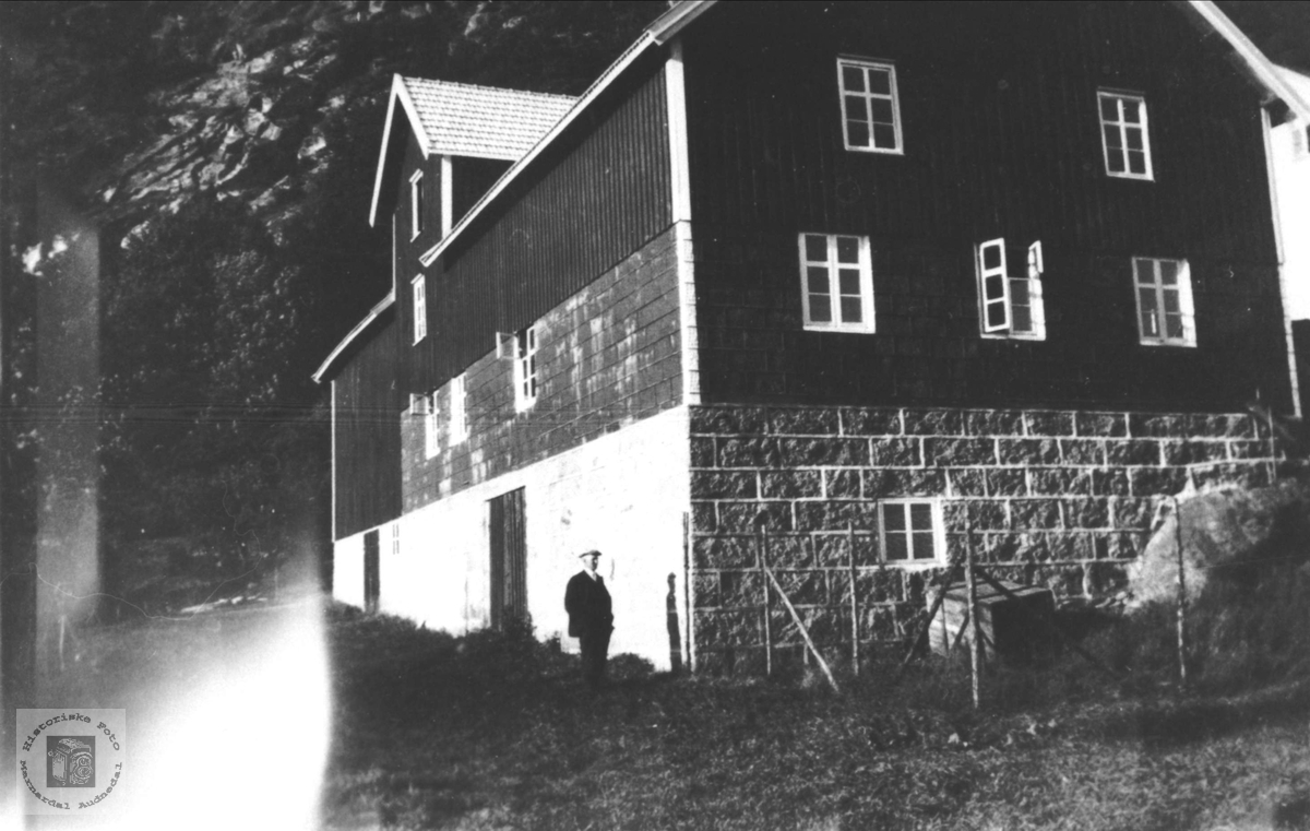 Sverre Nødings uthus på Usland, Øyslebø.