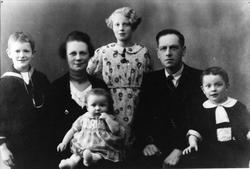 Familiegruppe Skaar, Øyslebø.
