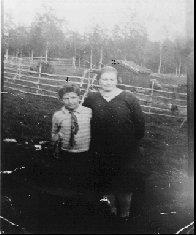 Portrett av søsknene Hans Heggeblom og Jensine Isaksen eller