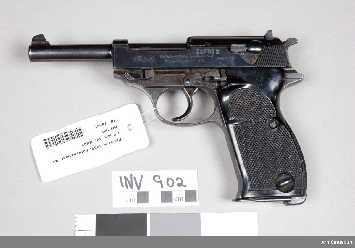 Halvautomatisk pistol m/1939. Parabellum. Tysk modell 1938 HP.