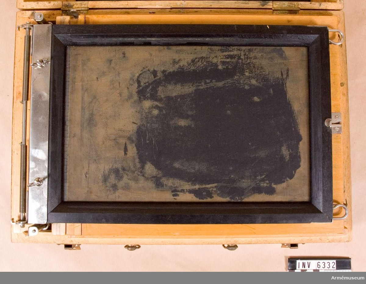 Portabel. Märkt Pelikan Stapeldrucker. Låda av trä.