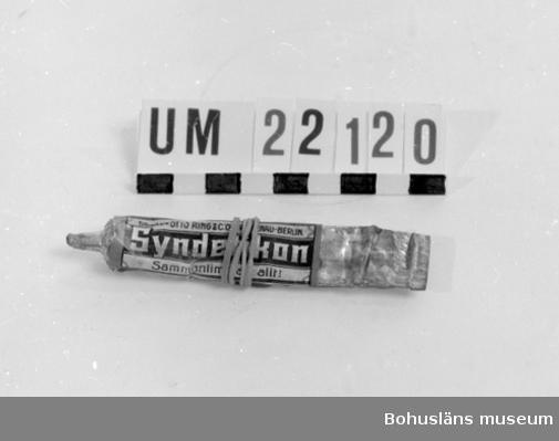 """594 Landskap BOHUSLÄN  Märkt: """"SYNDETIKON OTTORING"""". Korken saknas på tuben.  UMFF 78:7"""