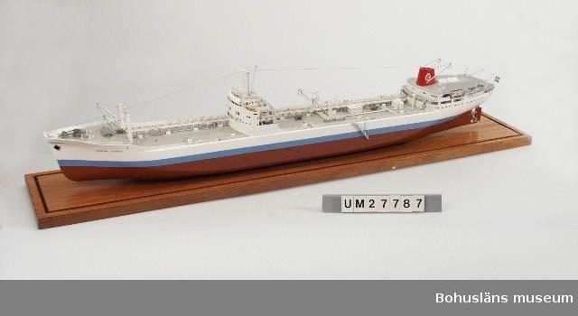 Föremålet visas i basutställningen Uddevalla genom tiderna, Bohusläns museum, Uddevalla.  Modell av oljetankern T/T Josefina Thordén  på en platta av mahogny med glasmonter.