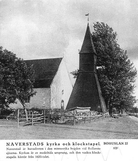 Naverstads kyrka och klockstapel. Naverstad är huvudorten i den minnesrika bygden vid Bullarensjöarna. Kyrkan är av medeltida ursprung, och den vackra klockstapeln härrör från 1600-talet. Sverigebilder Svenska Turistföreningen.