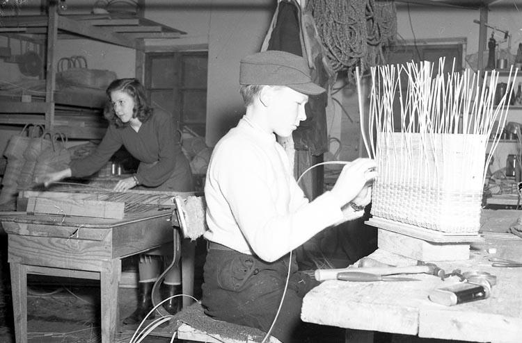 """Enligt notering: """"Hantverks...? Jan 1950""""."""