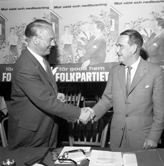 """Enligt notering: """"Ståhl Folkpartiet 8/9 -58""""."""