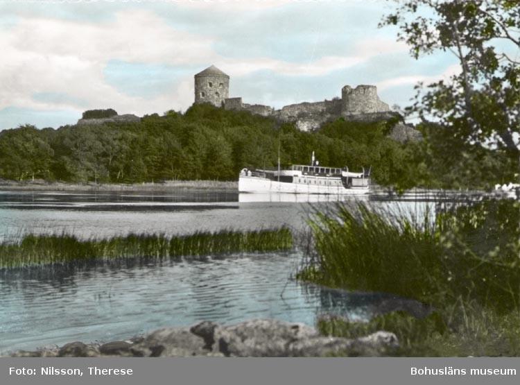 """Tryckt text på kortet: """"Kungälv. Fästningen""""."""
