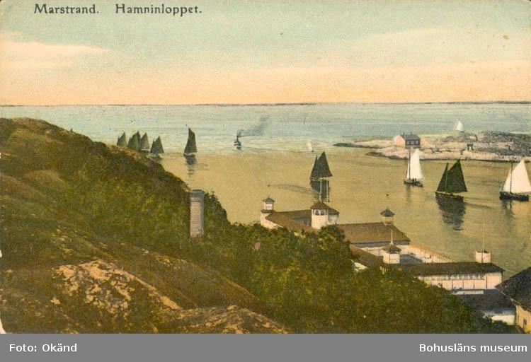 """Tryckt text på kortet: """"Marstrand. Hamninloppet."""" ::"""