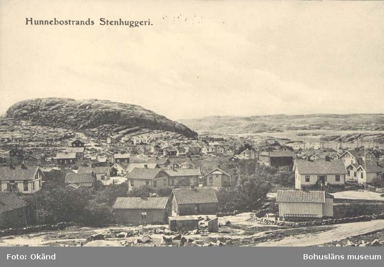 """Tryckt text på kortet: """"Hunnebostrand. Stenhuggeri."""" ::"""