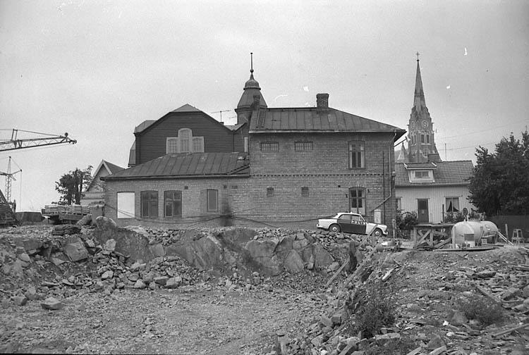 """Enligt fotografens notering: """"Lysekils gamla polisstation 1966""""."""