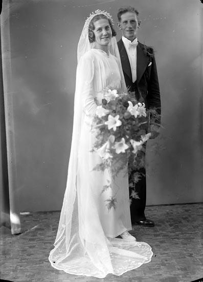 """Enligt fotografens journal nr 6 1930-1943: """"Ottosson, Alvar Ranebo Jörlanda""""."""