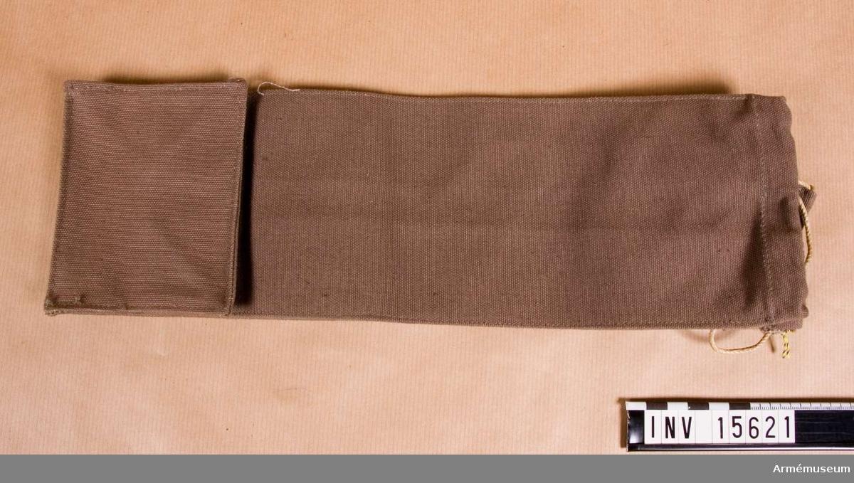 Grupp C. Ingår i personlig utrustning för menig infanterist fördelad på ränsel m/1905 och persedelpåse m/1939. Består av ränsel m/1905, persedelpåse m/1939, påse med reservproviant (bröd, choklad, armékonserv), skjorta, strumpor, mat-  bestick, kappa, ylletröja, skjutvantar, kokkärl, ämbar,  kalsong,skor, fotlappar, fodral till putstyg och handduk.