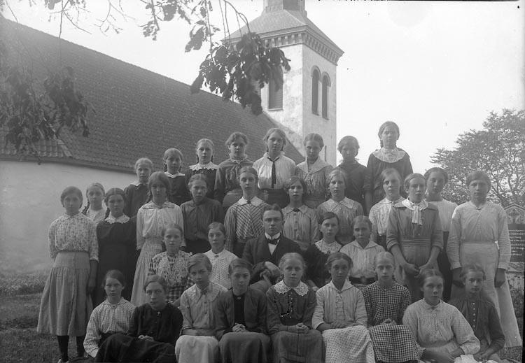 """Enligt fotografens journal nr 3 1916-1917: """"Läsbarnen Solberga"""". ::"""