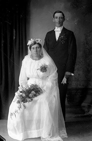 """Enligt fotografens journal Lyckorna 1909-1918: """"Herr Adolf Hansson Brattefors Ljungskile""""."""