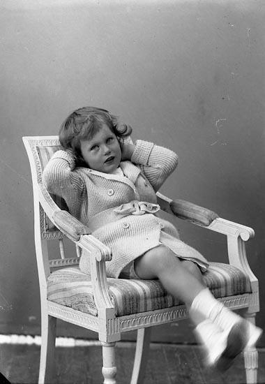 """Enligt fotografens journal nr 4 1918-1922: """"Gadd, Ön""""."""