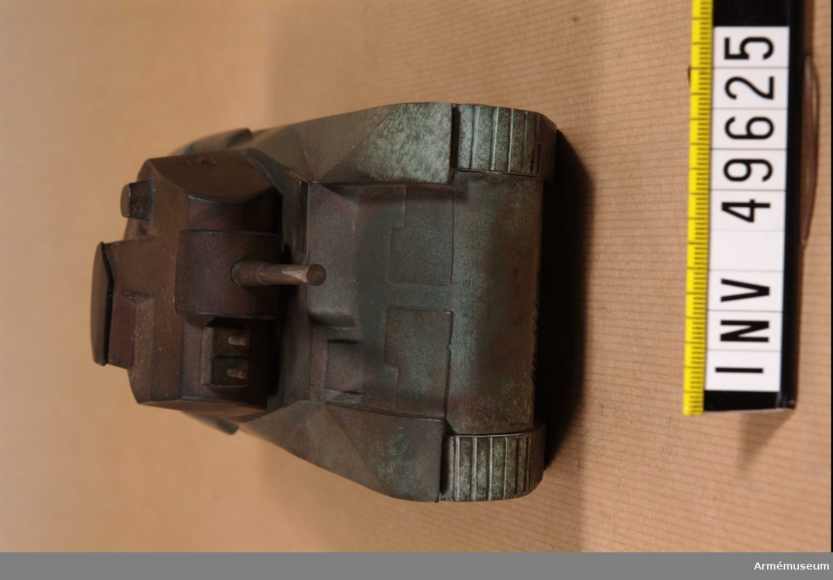 Grupp E XII. Bestyckning: 75 mm kan. 4 kulsprutor.