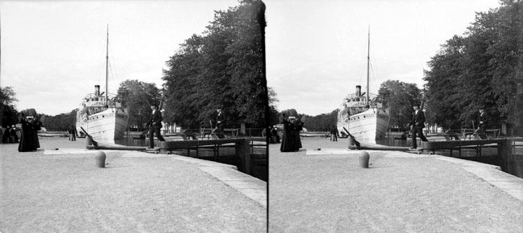 Passagerarbåten Pallas i slussen. Trollhättan den 10 juli 1904