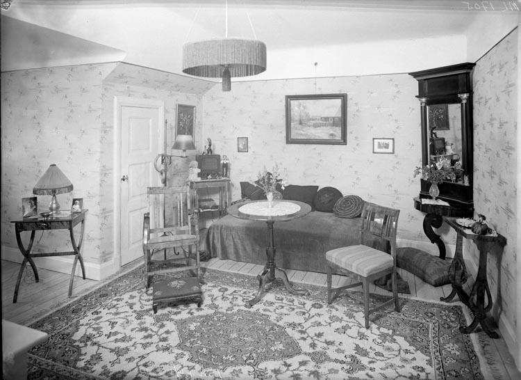 """Uppgift enligt fotografen: """"Uddevalla. Interiör. Fru Andersson."""""""