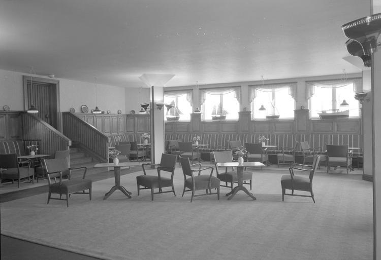 """Lysekil. Interiör. Bohusrummet, Hotell Lysekil. 1952"""