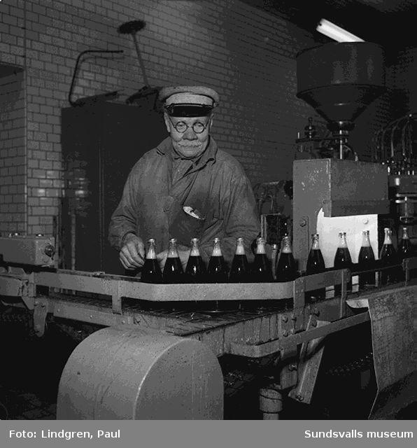 Sundsvalls Bryggeri. Tillverkning av  Rio-cola. Studiebesök,, avsmakning.