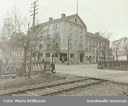 Svenska Frälsningarmén. Kv. Bisittaren 3, Södra Järnvägsgatan-Fredsgatan