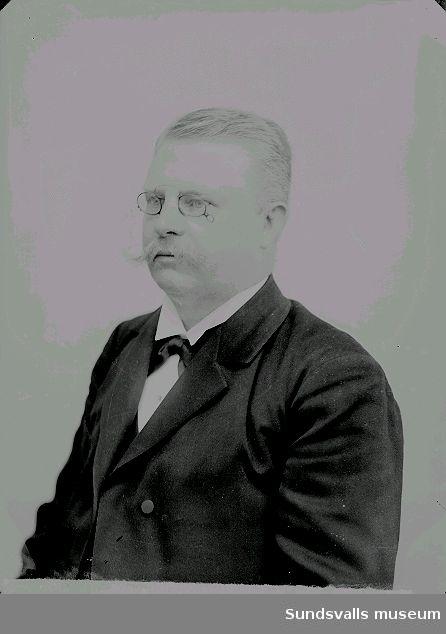 Axel Teodor Kihlbaum (f. 1859 d. 1918). Kassör på SJ i Östersund. Bror till Maria Kihlbaum.
