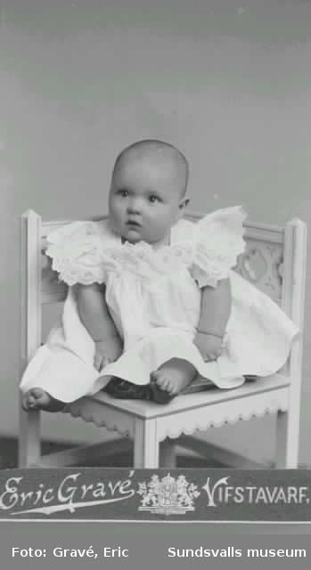Stig Hörnell som barn, gifte sig med Vivstavarvsflicka född Nordin