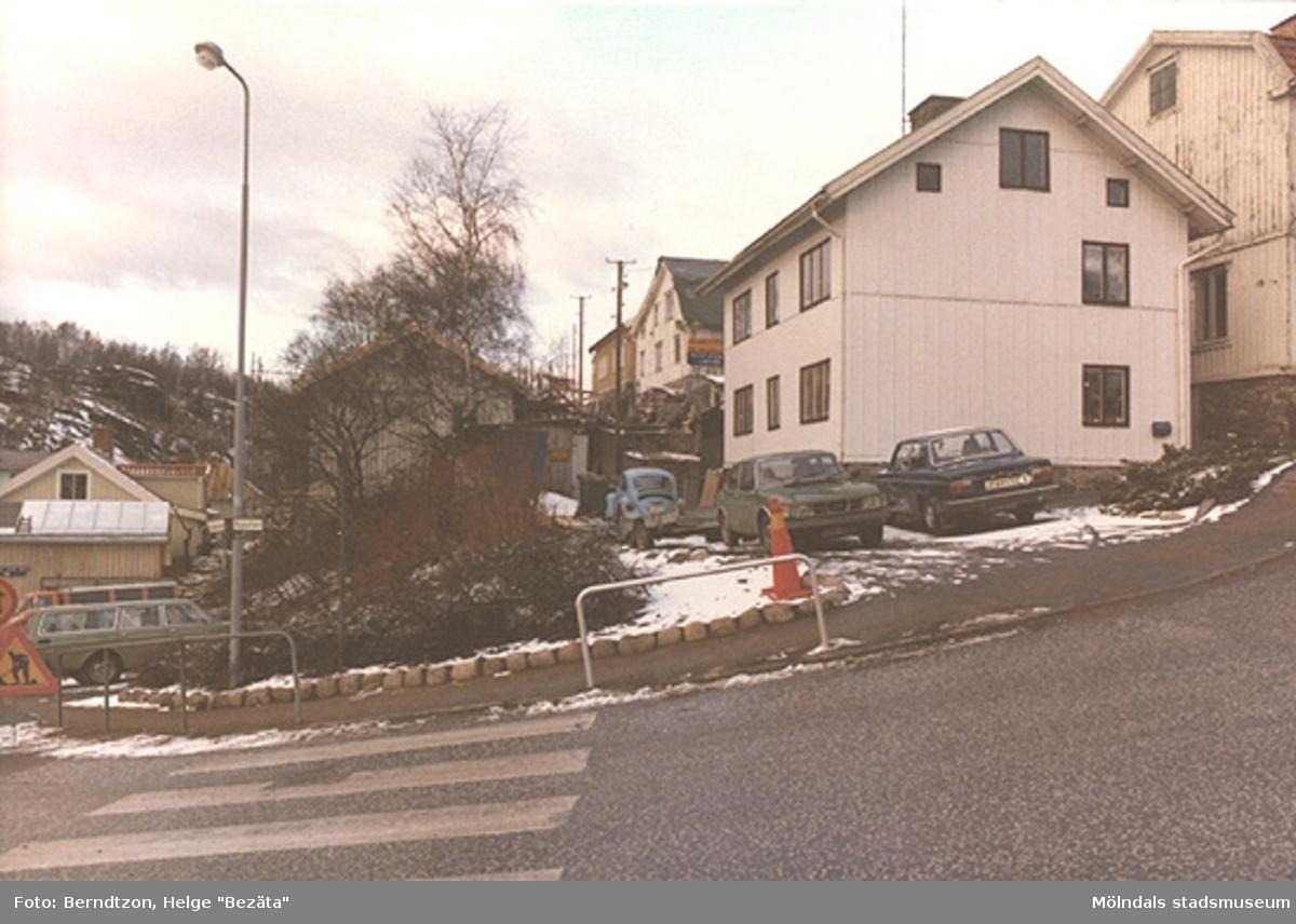 Rygatans anslutning till Forsåkersgatan vid Mölndals museum på 1980-talet.