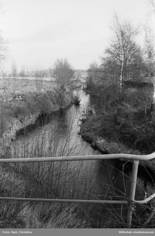 """Stenskodd """"flottningsplats"""" vid Lindomeån 1991. I närheten ligger Werners fabriker."""