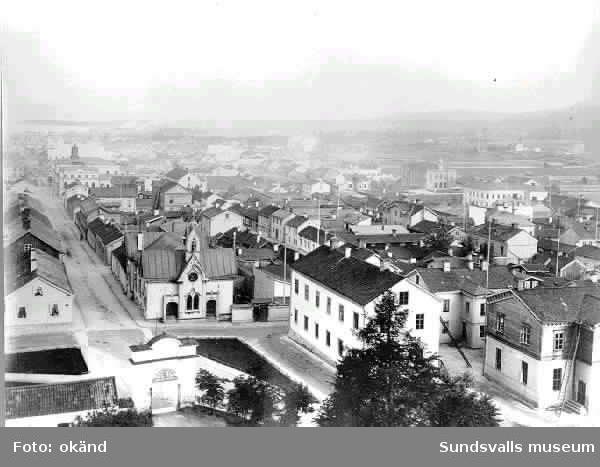 Kyrkogatan från kyrkan och österut före stadsbranden.
