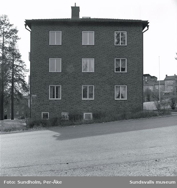 Inventering av 1940- och 50- talsområden. Västergatan 19, 21Byggår: 1949     Arkitekt: Gunnar Wejke och Kjell Ödeen.