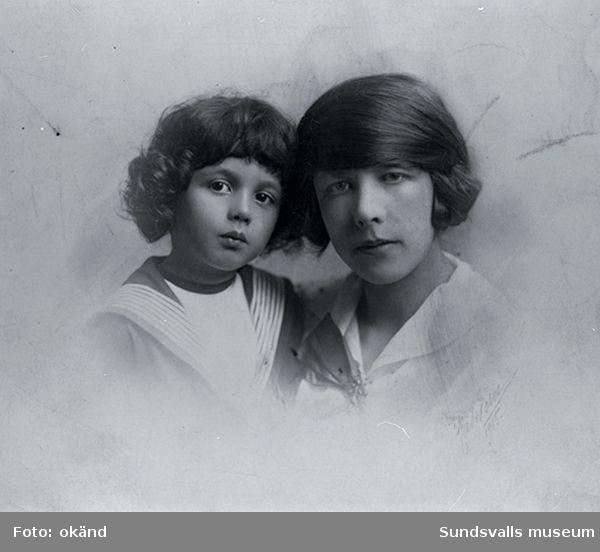 Iván Grünewald (f. 1911) och modern Sigrid Hjertén, 1917.