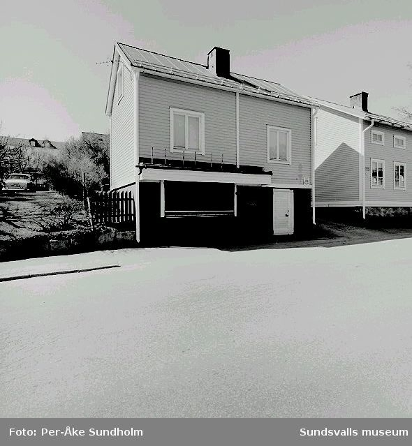 Bostadshus, f.d. kiosk och uthus, kv. Linden 2, Nygatan 7:06 Västra huset07 Östra huset och f.d. kiosk08 Uthus