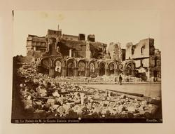 Le Palais de M. le Comte Zizinia (ruines).  [Detta fotografi
