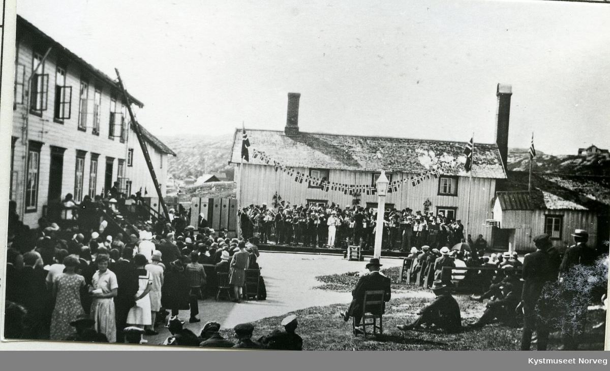 Rørvik , musikkstevne på Berggårdstunet
