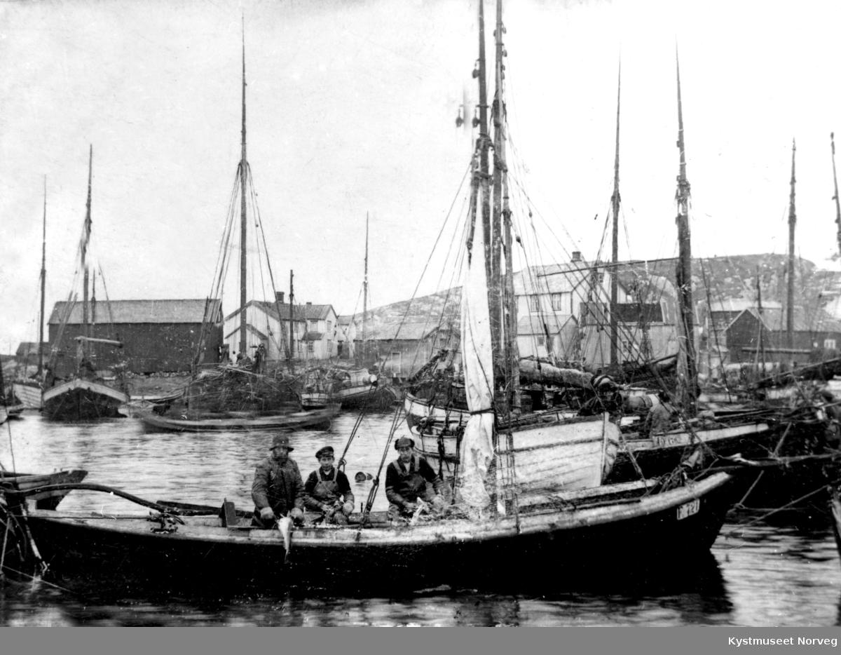 Sør-Gjæslingan, fiskebåter
