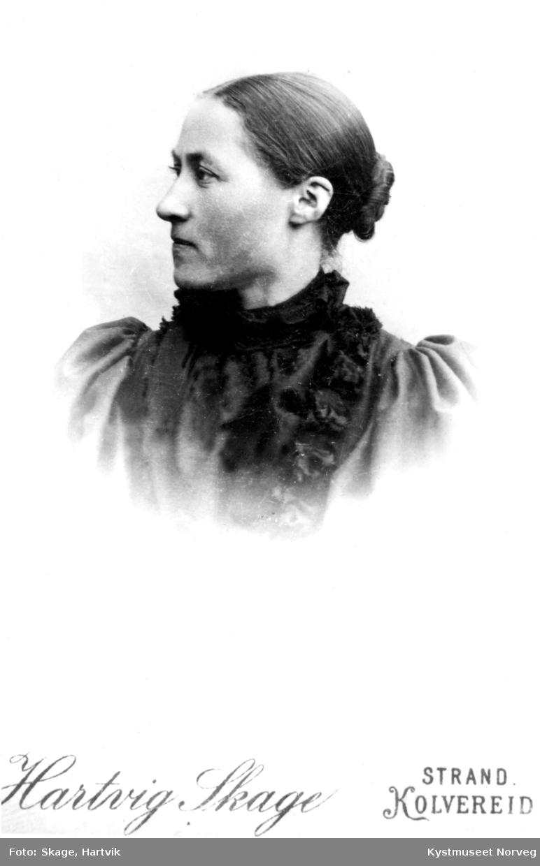 Lina Skagemo - Oline Rebekka Simonsdatter