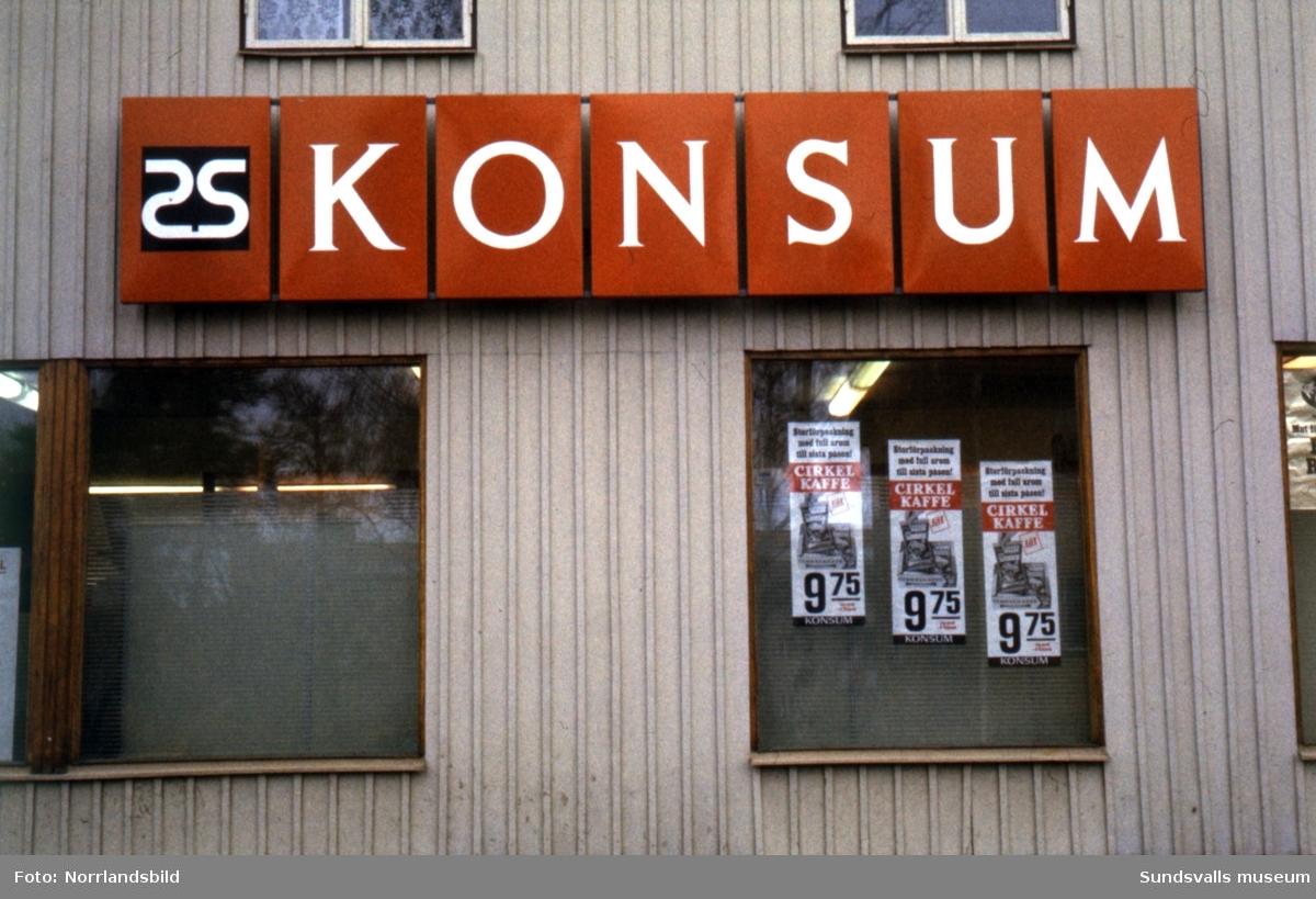 Konsumbutiken vid Östermalmsgatan 48, numera (2015) Raket-Lasse.