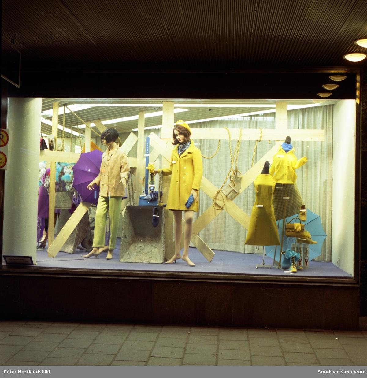 Varuhuset Forums skyltfönster 1967.