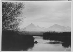 'Från samma plats som 4923 fast utan båtar. :: Jelovkafloden