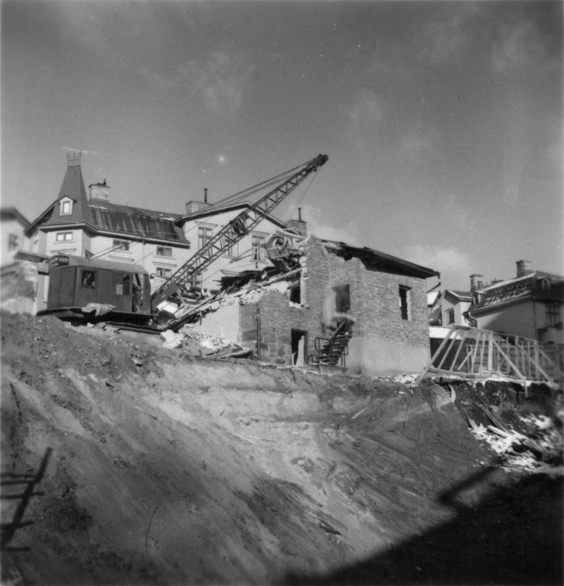 Byggnad N:o 6, tillbyggnad 1954. Rivning av Övre porten.